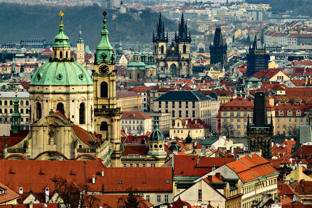 Buying an apartment in Prague by foreigners – the survey